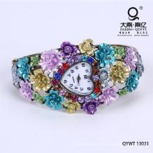As belas flores de liga pulseira de níquel relógio livre