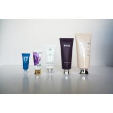 Kunststoff-Rohr. Soft Tube. Flexibler Schlauch für Kosmetik-Verpackungen (AM14120226)