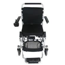 Behinderte Menschen benutzen Power Rollstuhl