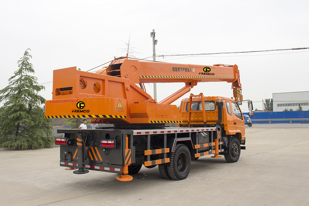 Trucks Telescopic Crane