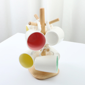 Practical Wooden Storage Rack with Six Mug