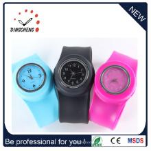Silicona banda vintage reloj de pulsera de goma de cuarzo (DC-1033)