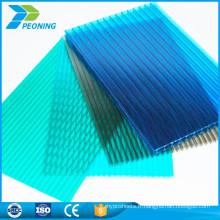 Matériaux de construction à protection contre les rayons ultraviolets transparents et polycarbonés