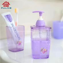 Bouteille en plastique de shampooing carrée avec distributeur de pompe