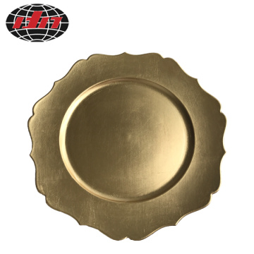 Waved Rim Plastic Plate with Metallic Finish