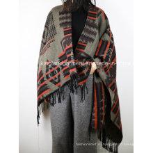 Акриловая модная леди Зимний теплый жаккард Fringed Geometric Woven Poncho