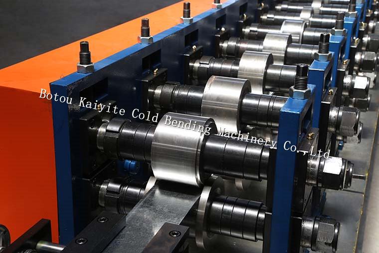 Metal stud and track roll forming machine for making C U L T Ceiling grid