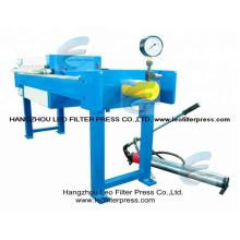 Presse hydraulique manuelle de filtre, petite presse manuelle de filtre de chambre d'opération de taille conçue par Leo Filter Press