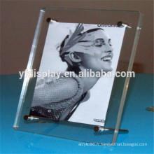 Cadre photo acrylique avec raccord de quincaillerie
