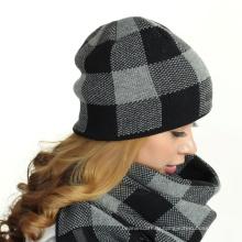 Зимние трикотажные шапочка