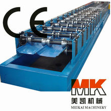 Joint hidden roof panel forming machine