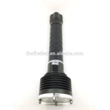 High Power 3T6 CREE XM-L2 Lampe LED Auto-défense Tactical Flashlight avec ongle en acier inoxydable