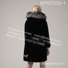Kvinnor Coat With Mink Flower In Winter