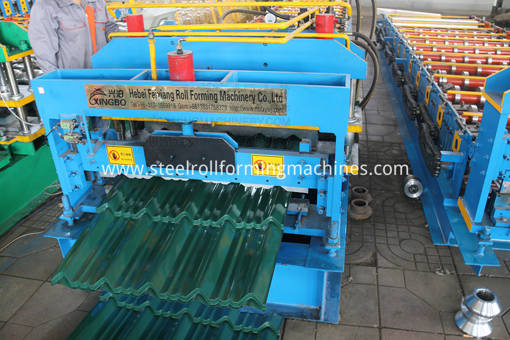 Color steel corrugated roll forming machine
