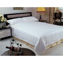 Weißes Baumwoll-Hotelgebrauch Bett verbreitetes allgemeines weißes Hotel deb verbreitet