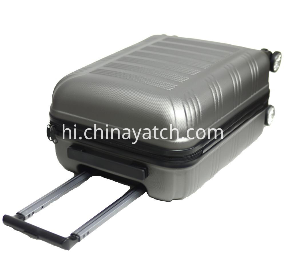 Alloy luggage with spinner