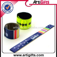 Factory direct supply reflective plastic snap bracelet