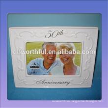 Marco de foto de aniversario de boda de cerámica blanca para el 50 aniversario de boda