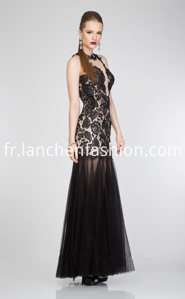 Illusion Neck Lace Black