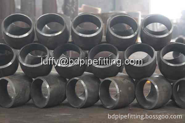 Alloy pipe fitting (34)