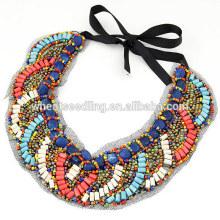 Forme a perlas de madera étnica strand collar colgante de encanto
