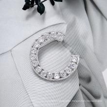 Superstarer Fashion Temperament English Brooch Women′s Letter C Corsage Accessories