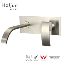 Haijun 2017 artículos de moda sola manija montada en la pared lavabo grifo del lavabo