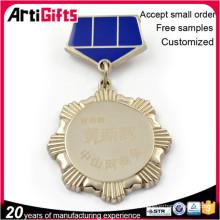 Горячий продавая изготовленный на заказ оптовый медали и значок