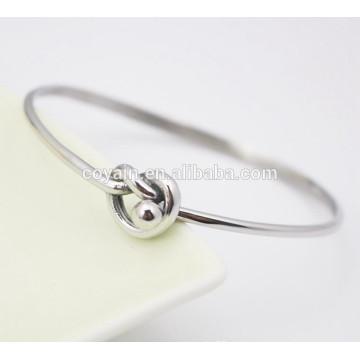 Los últimos brazaletes de plata de diseño Brazaletes de acero más reciente