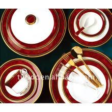 Cena de la porcelana de utensilios de cocina con calcomanías