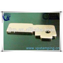Pièces de relais d'estampage de métal personnalisées de haute qualité