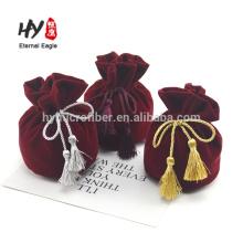 Bolso con cordones de terciopelo con logo personalizado