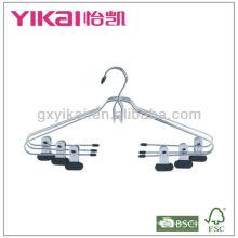 Cintres métalliques chromés avec clips avec revêtement platique