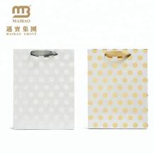 Kundenspezifische Boutique Exquisite Design Band Griffe Gold / Silber Heißprägen Papier Polka Dot Geschenk Taschen