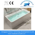 Square soaking seamed bathtub