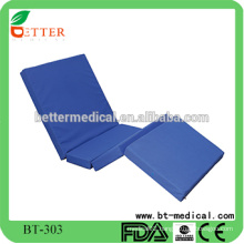 Foldable hospital mattress with four folding