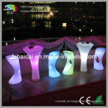 Taburetas e mesa de bar LED