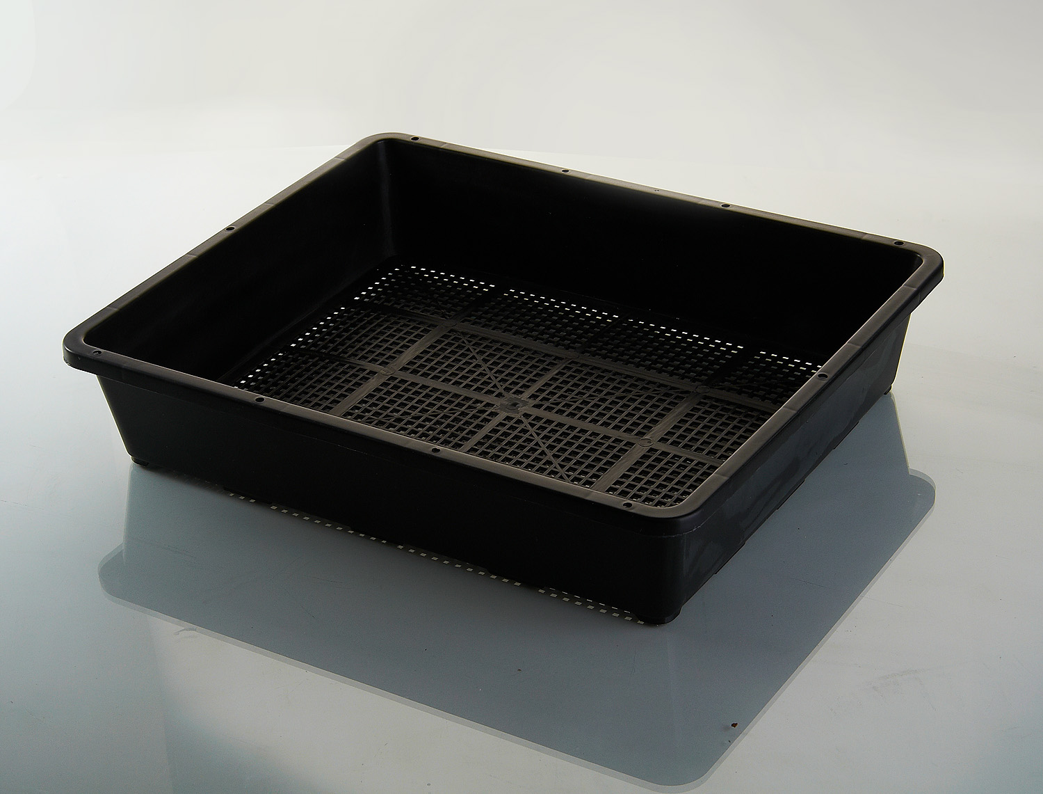 plant tray with pots