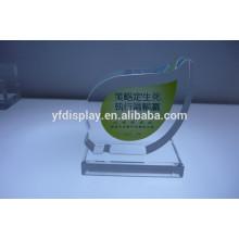 Affichage transparent de trophée acrylique