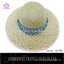 Le chapeau de paille été le plus récent conçu pour les femmes