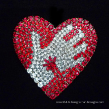 Broche coeur coeur rouge broche en éponge strass mousses broderies
