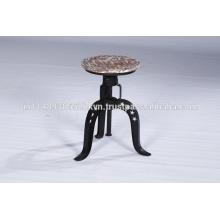 Tabouret de bar en métal et métallique réglable en milieu industriel