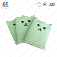 Lovely exfoliating artificial sponge gloves