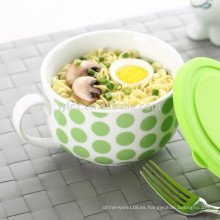 tazón de sopa con tapa de silicona y mango
