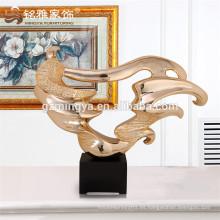 Proveedor de China por mayor por encargo artesanía de resina de poli para la decoración del hogar artesanías de resina irregular