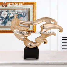 China fornecedor atacado personalizado artesanato de resina de poliéster para decoração de casa artesanato de resina irregular