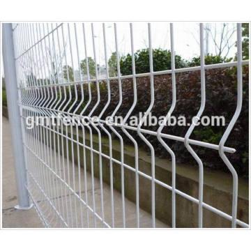 GMT Anping fabrique des panneaux de clôture décoratifs galvanisés