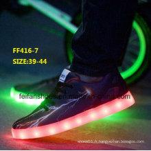 Nouveau Design Men Fashion LED Light Shoes Chaussures de sport (FF416-7)