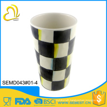 Eco-friendly black and white grid disposable plastic cup