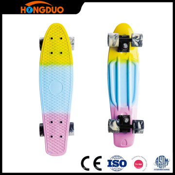 mini bordo de peixes do skate do cruzador de três cores skateboard